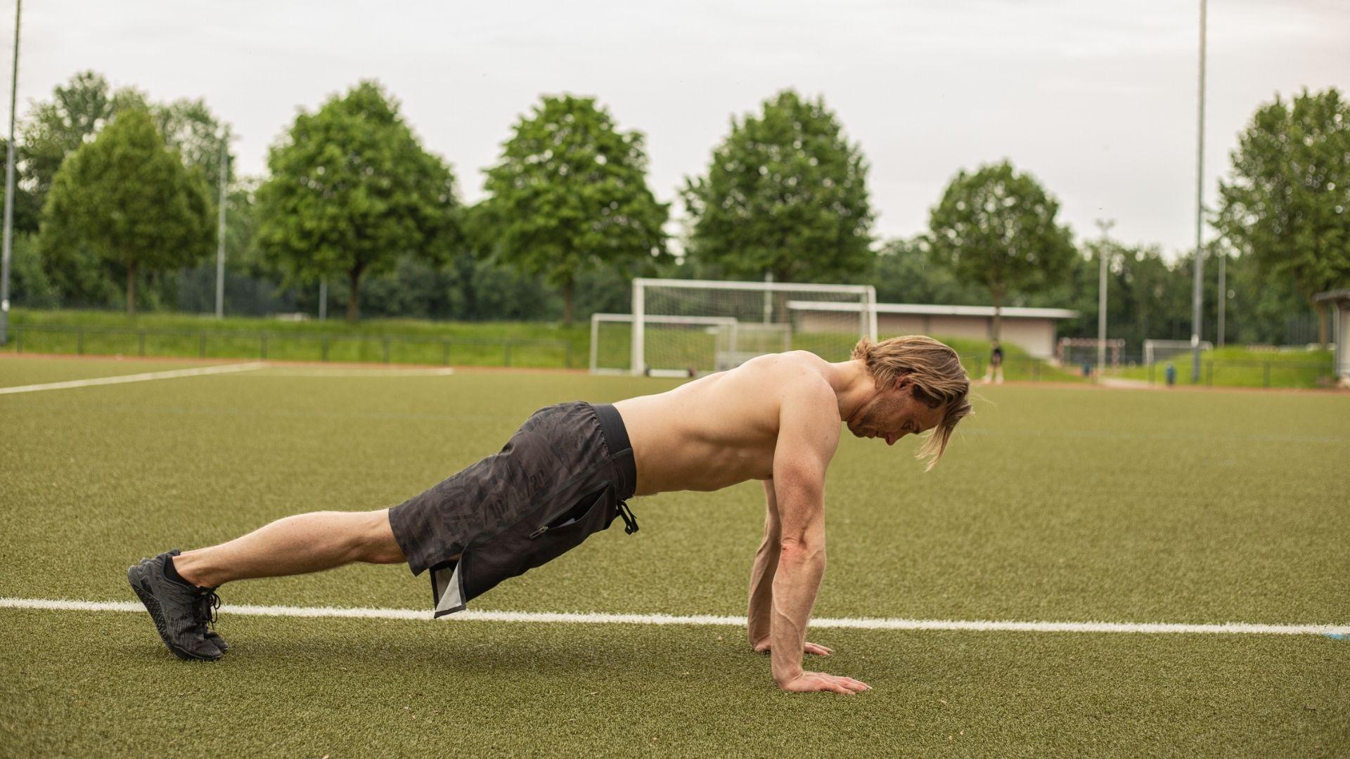 01 Übungen mit dem eigenen Körpergewicht - ©Stephan Tischmann