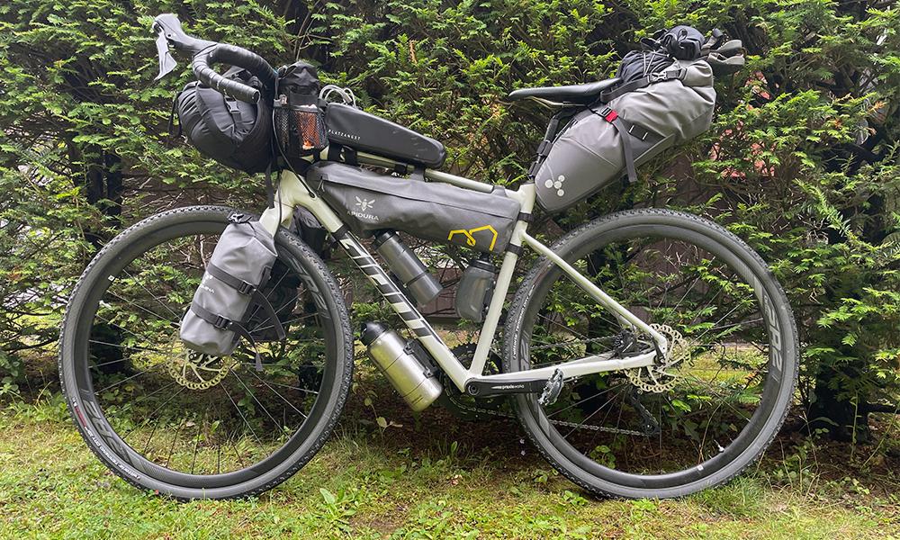 Bikepacking Ratgeber für Anfänger - Gravelbike mit Taschen