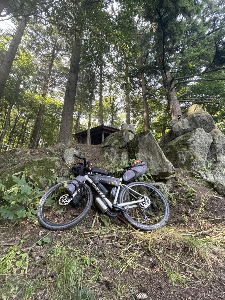Bikepacking und Offroad fahren - darauf musst du als Anfänger beim Radreisen achten.